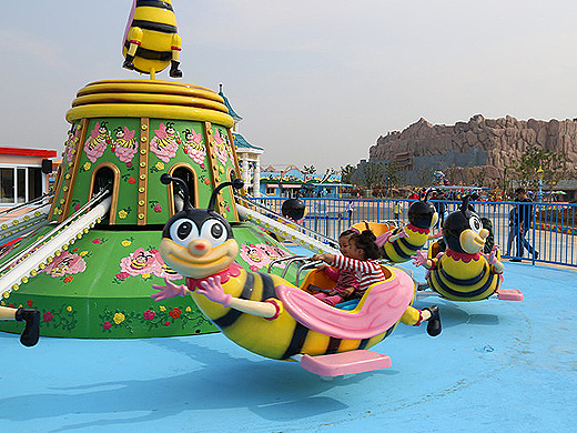 rotary bee amusement equipment
